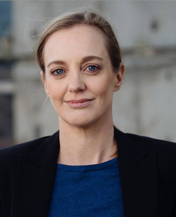 Angela Carr