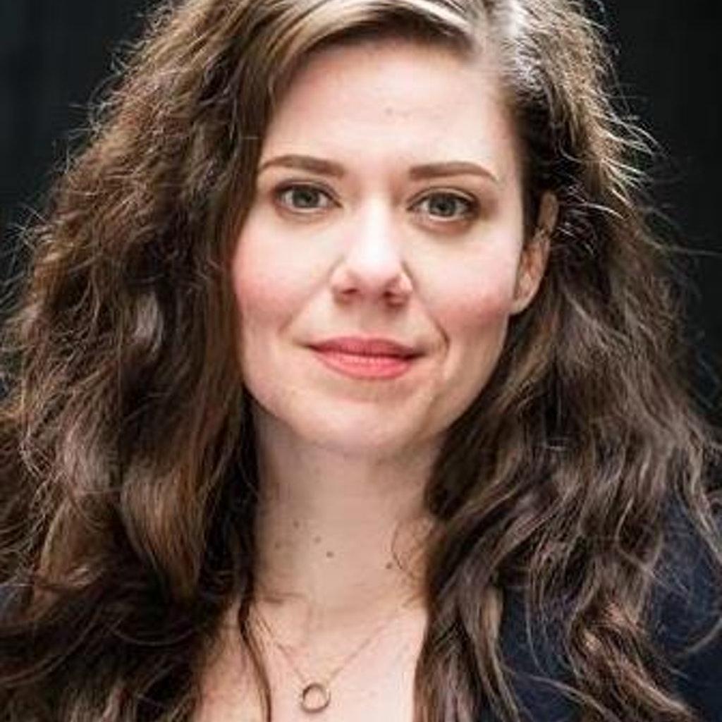 Siri Betts Sonstegard, Lecturer